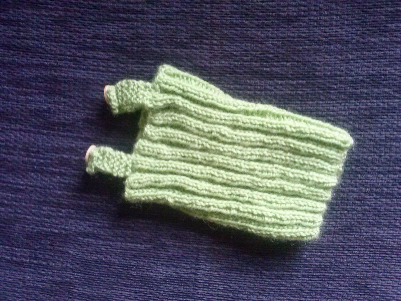 ff277257f 3 Bags Full  Preemie singlet - free knitting pattern