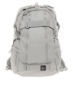 6bacc06018 Enlarge Eastpak Skateboard Backpack | carrier | Skateboard backpack ...