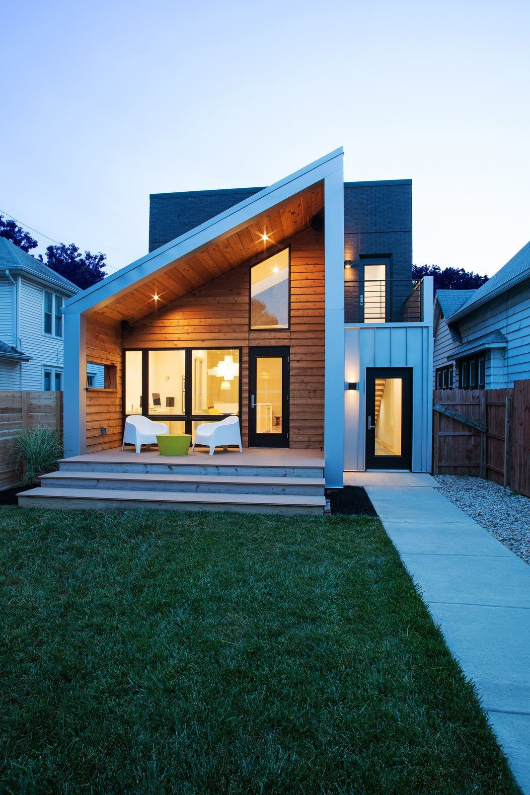 Clad in Cedar and Metal, an Indianapolis Home Gives a