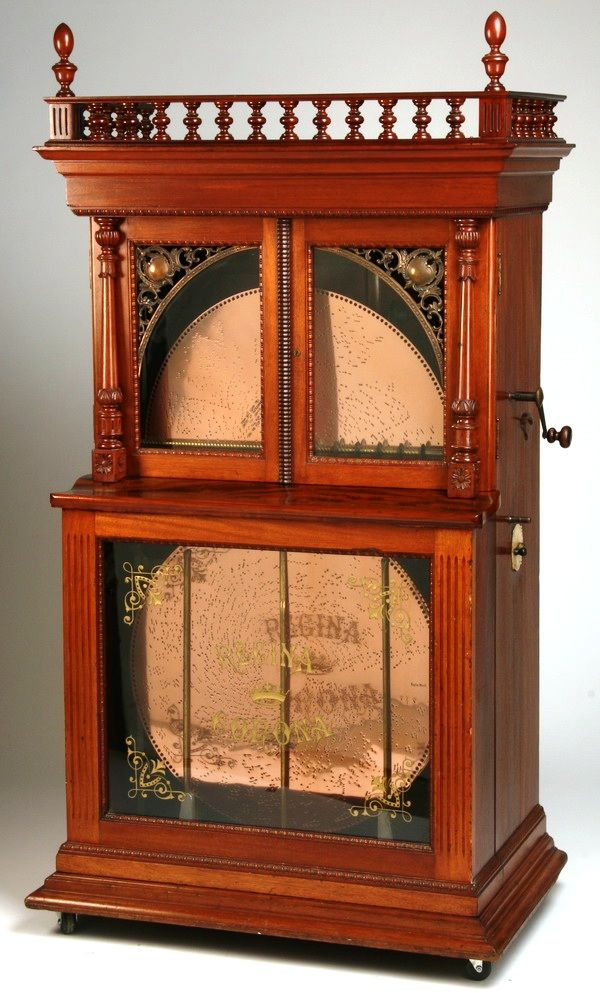19th-century American Regina Corona 27-inch disc music box. Love!