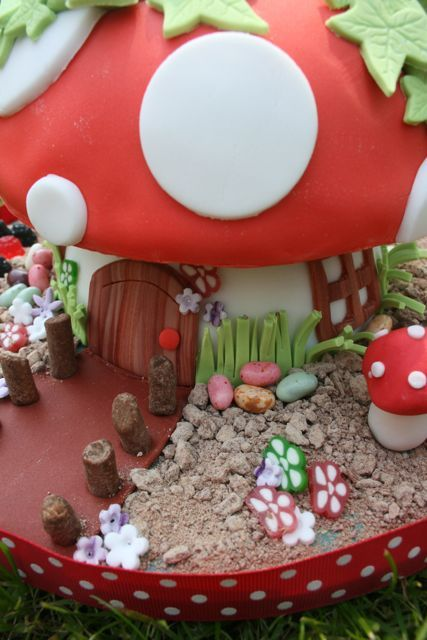 Incredible Toadstool Cake Flickr Photo Sharing Cakepins Com Toadstool Cake Personalised Birthday Cards Beptaeletsinfo