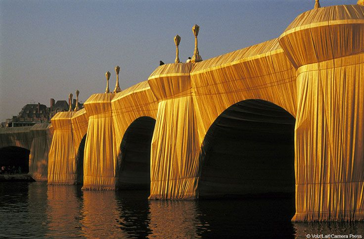 Pont Neuf ingepakt door Christo