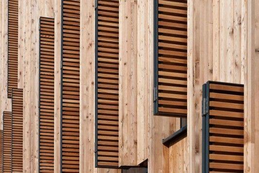 Holz Mainz vor den fenstern angebrachte klappläden aus holz dienen dem