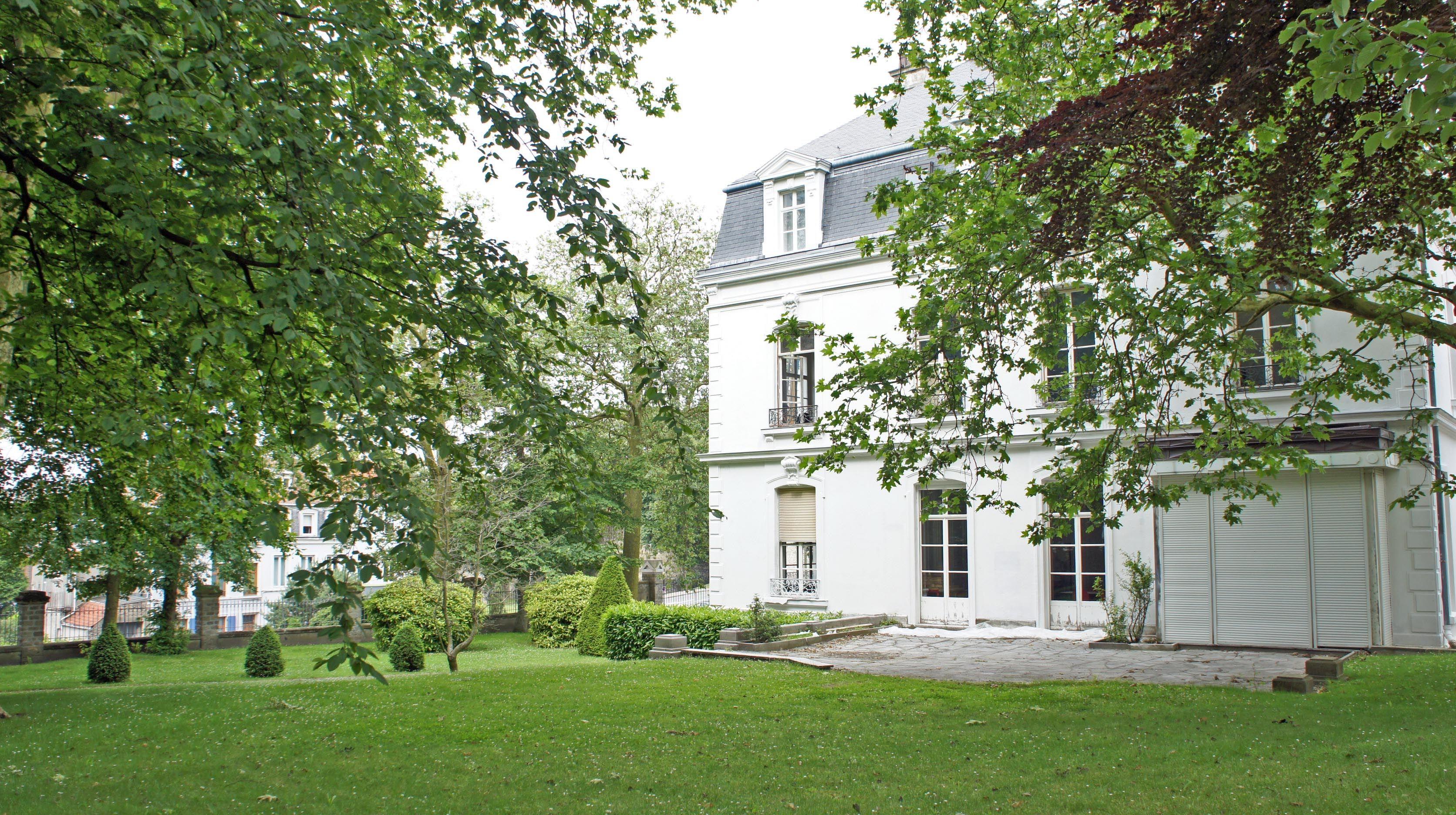 Villa Huguet - vue sur jardin - à Boulogne-sur-Mer (France) ©DR ...