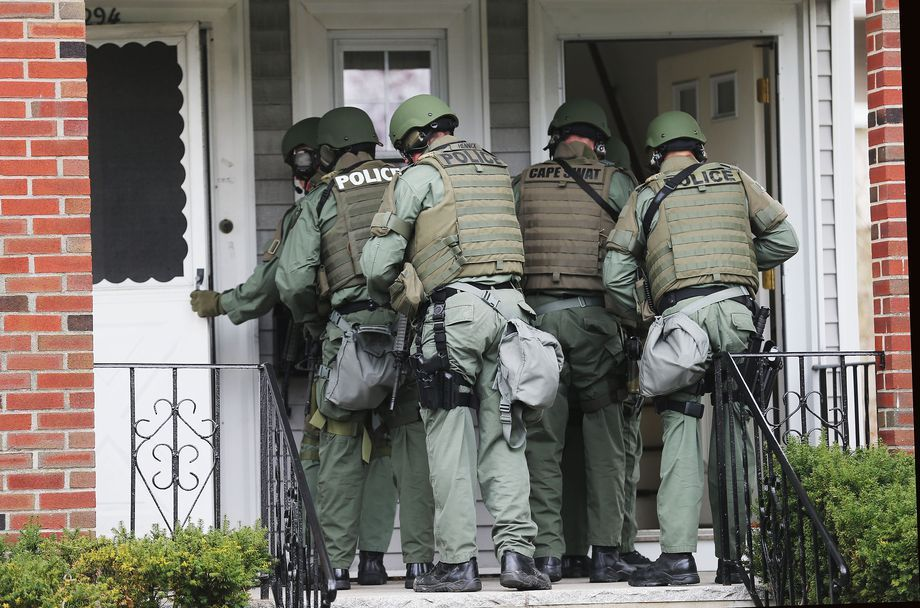 Cops Do 20 000 No Knock Raids A Year Civilians Often Pay The Price When They Go Wrong Martial Law Survival Social Prepper