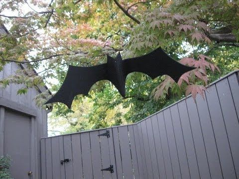 Easy Bat Craft Tutorial. Outdoor Halloween decoration made