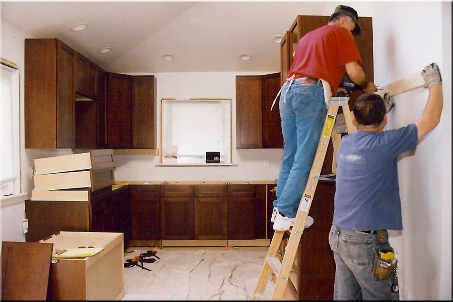 Kitchen Remodel Contractor Model How To Choose The Right Kitchen Cabinet Contractor #renovation .