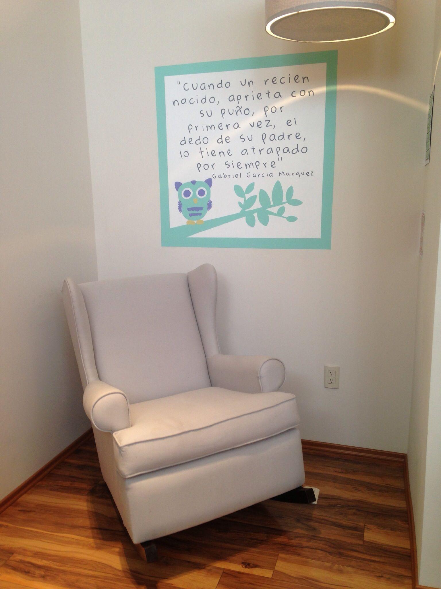 Elegante y s per c modo sill n mecedora carlota en color gris claro laesquinadenunu nursery - Sillones habitacion bebe ...
