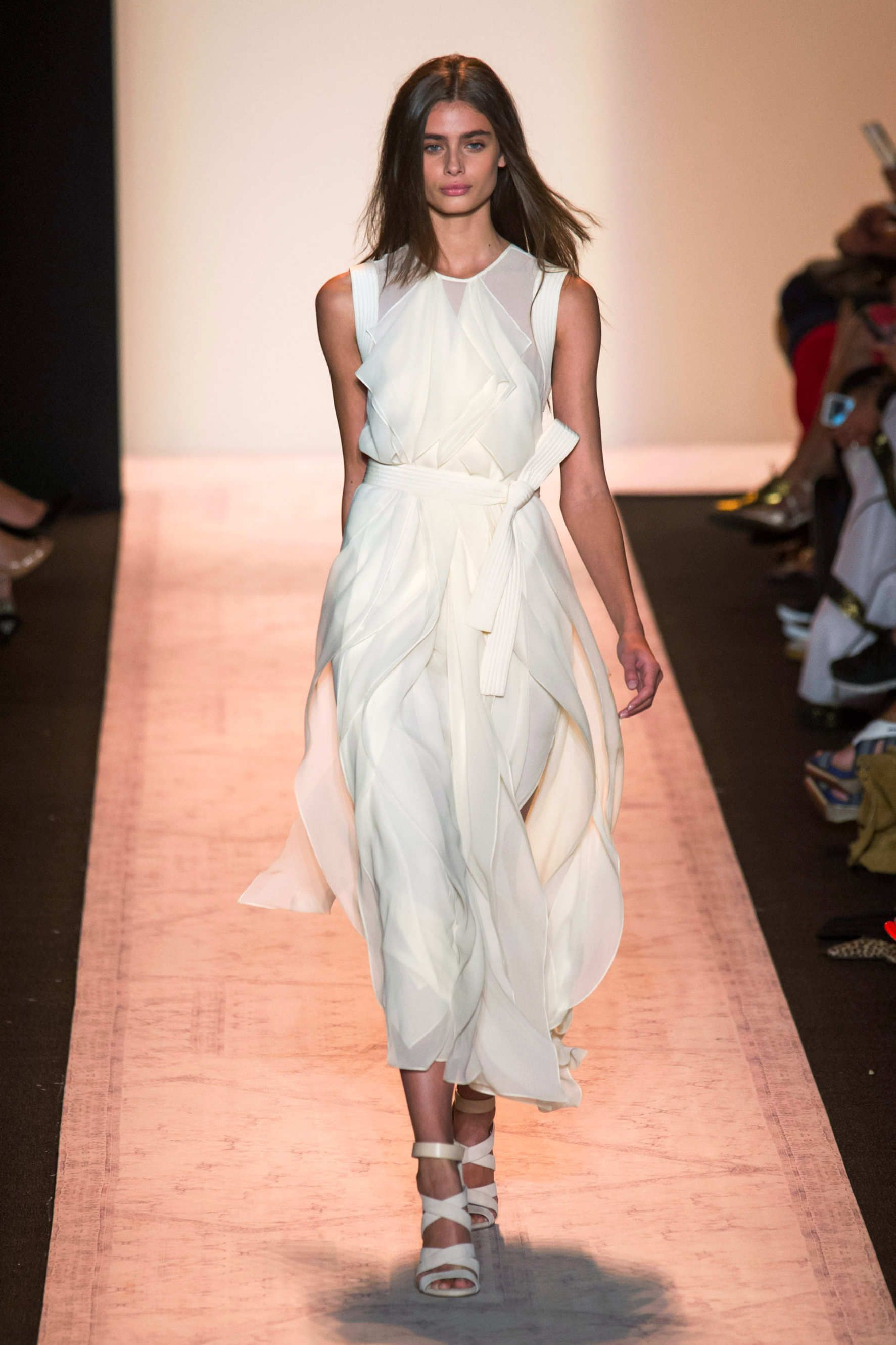9f1ebf276d6bdb BCBG Max Azria in 2019 | White | Max azria, Fashion, Summer fashion ...