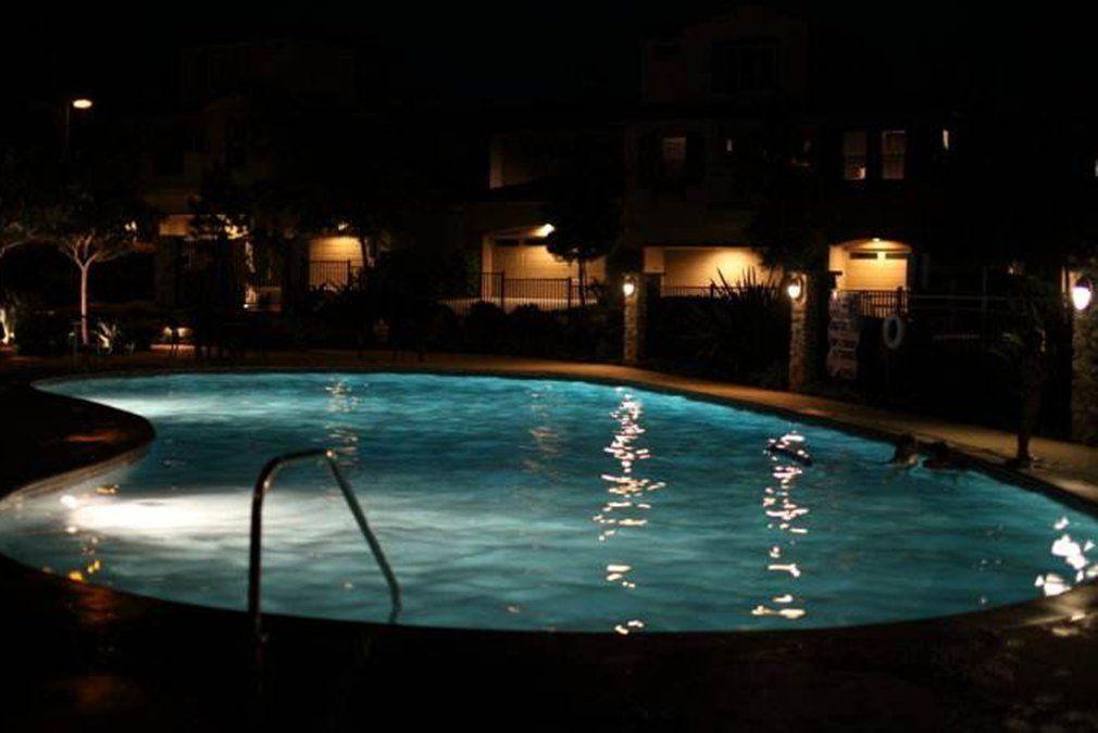 Amazon Com E Cowlboy 300 500w Traditional Bulb Replacement 35watt 6000k Daylight White Light Swimming Pool Led Light Bu Led Pool Lighting Pool Swimming Pools
