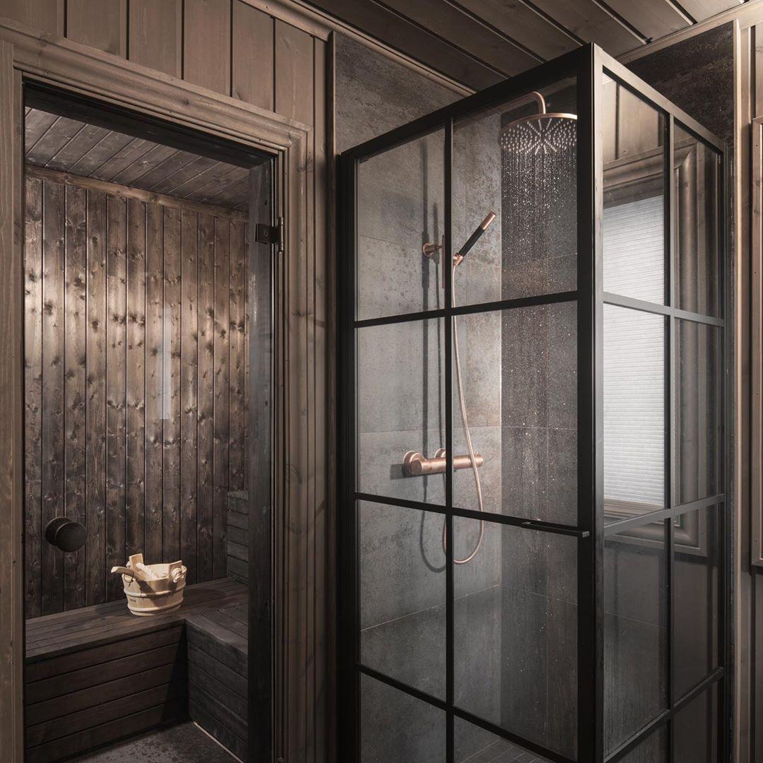 """Photo of Oj Design & Interior på Instagram: """"ETTER og FØR bilder på denne oppussingen. Her er panelet på badet beiset med Osmo FJELL av Oj! Design. Videre flislagt og satte dusjnisjen … """""""
