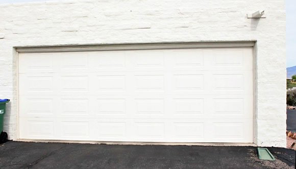 Garageskins Give You A Wood Look Without The Cost Garage Doors Garage Door Types Wood Garage Doors
