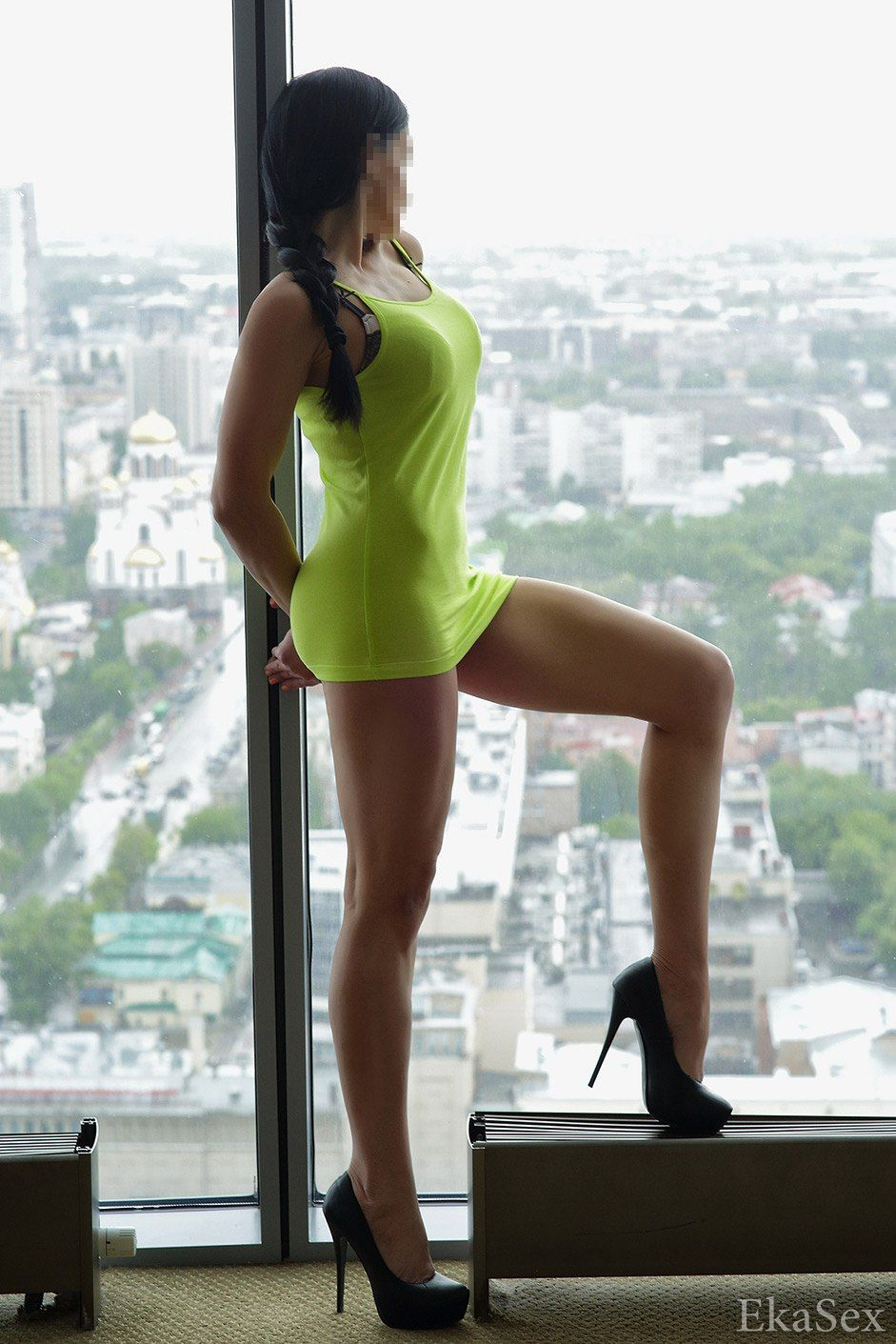 koroleva-ekaterinburg-prostitutka-video-vlaga-vnutri-devushki-krupnim-planom