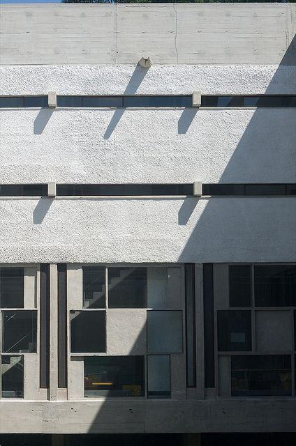 la tourette courtyard elevation sainte marie de la tourette interiorsle