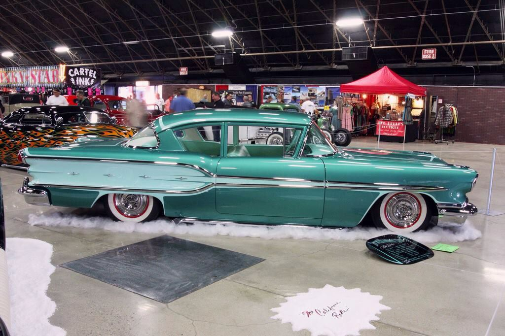 1958 Pontiac Star Chief 2 Door Sedan...