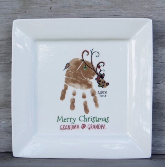 Reindeer Handprint Plate. Christmas gifts for grandma and grandpa, baby's first christmas, footprint art keepsake Footprint Plate 302A_plt #mistletoesfootprintcraft