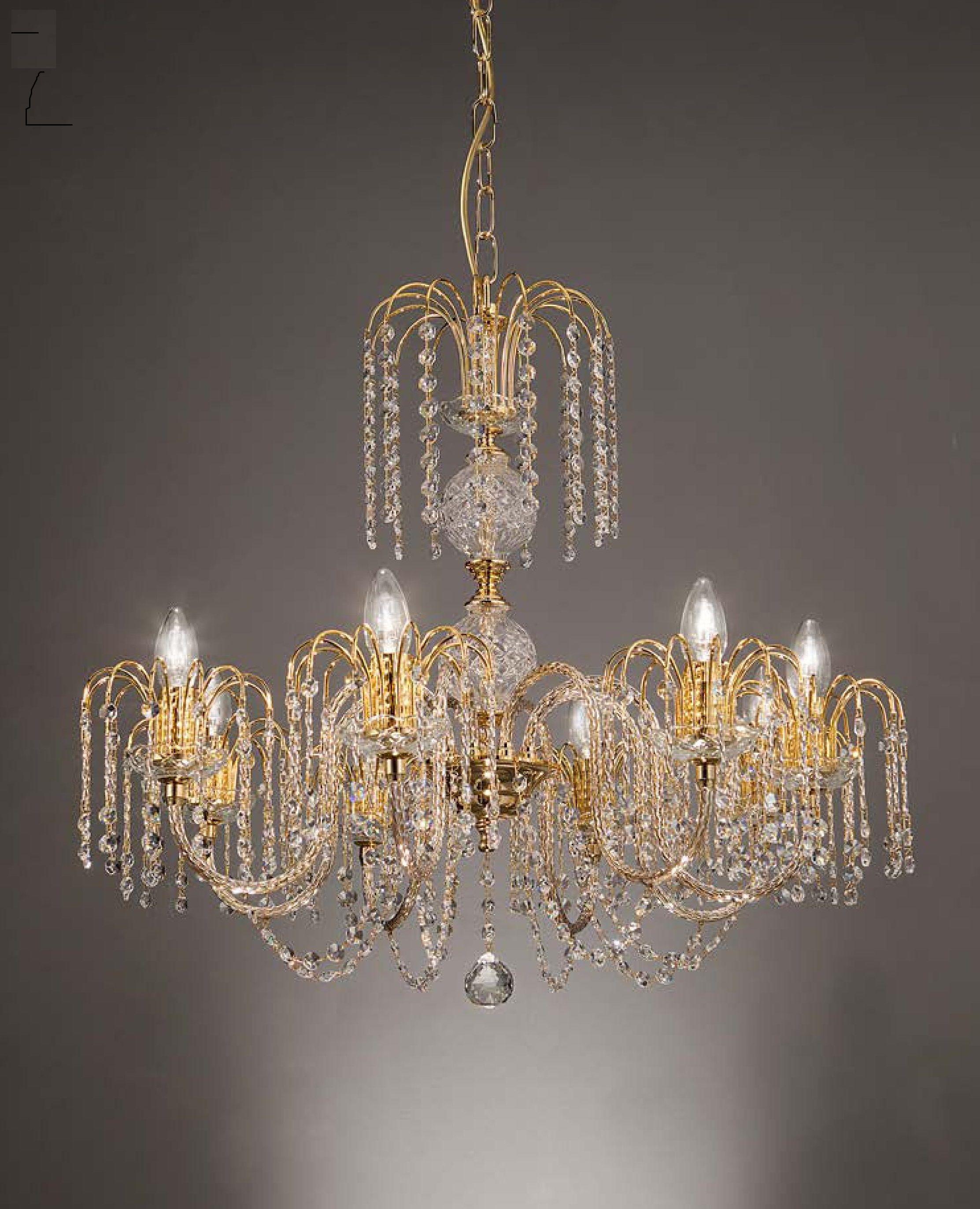 Lampadario 8 luci in metallo dorato 24 kt, con componenti in ...