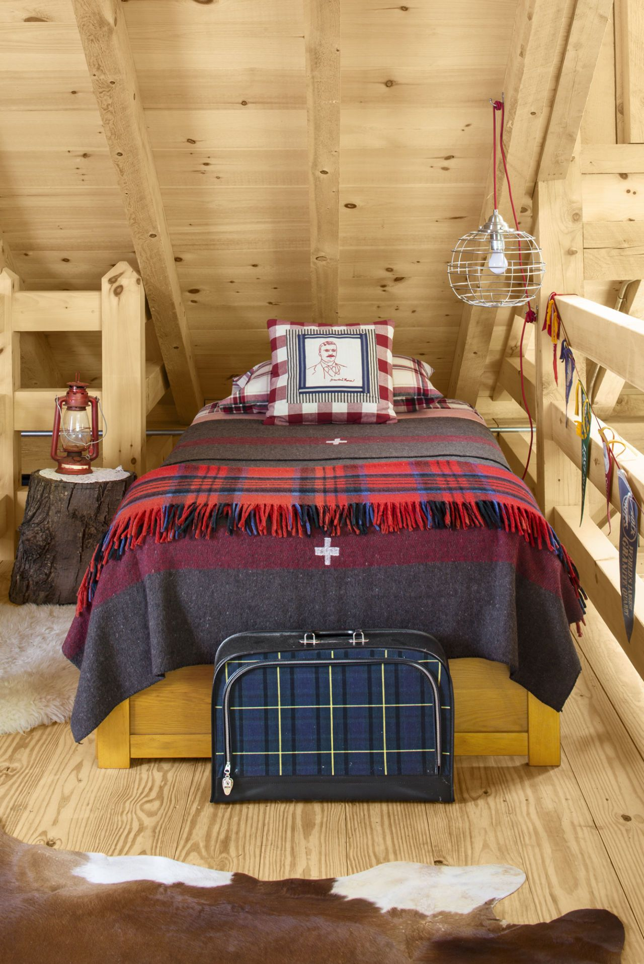 Loft over bedroom  Every Country Girl Will Fall Over When She Sees the Inside of This