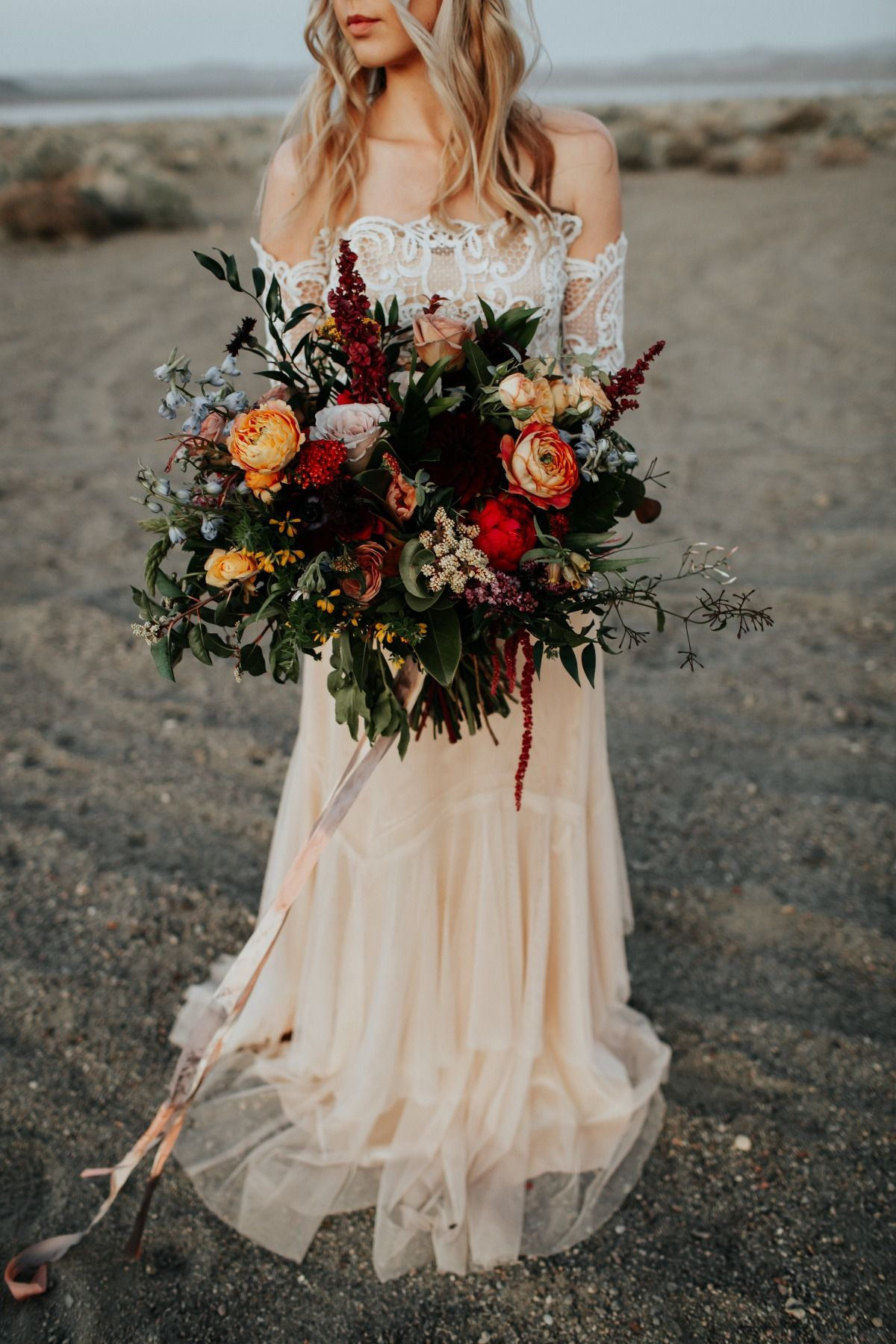 Adventurous Intimate Elopement Inspiration Bridal Fall