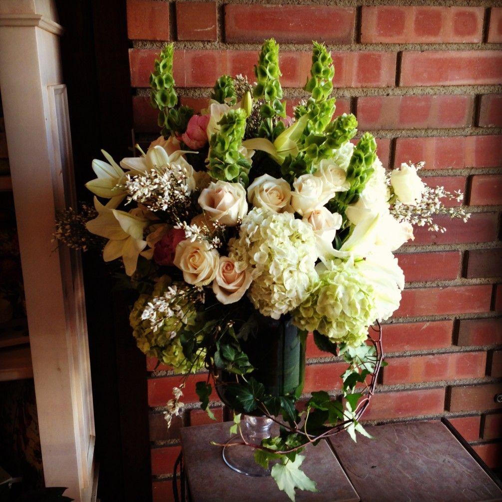 Send Irish Dream Vase Flowers In Granada Hills Ca Flower Delivery Fresh Flower Delivery Fresh Flowers Online