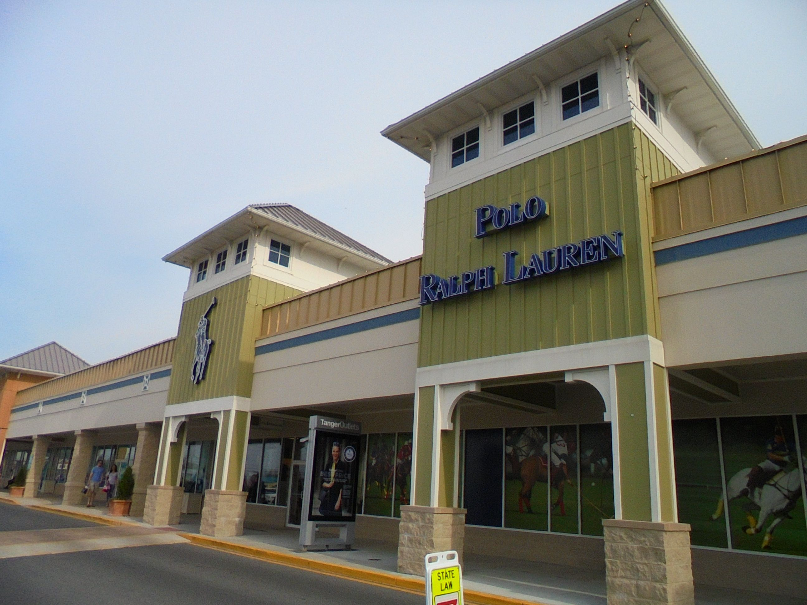 #Polo #factorystore in #RehobothBeach #Delaware down the block from more #TangerOutlets - http://www.drewrynewsnetwork.com