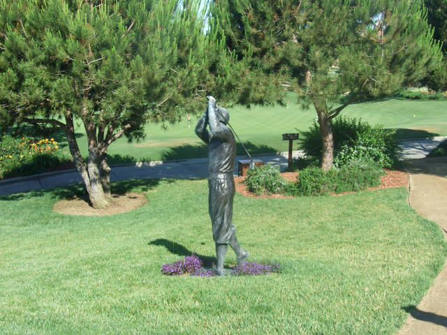 Thereu0027s A Golfer Statue At The Driving Range Of The Tom Fazio Designed  Grand Golf