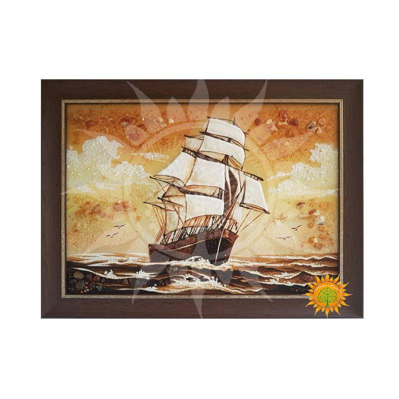 Картина Корабль из янтаря символизирует несгибаемость пред ударами судьбы и помогает обрести силы к достижению своих целей в жизни