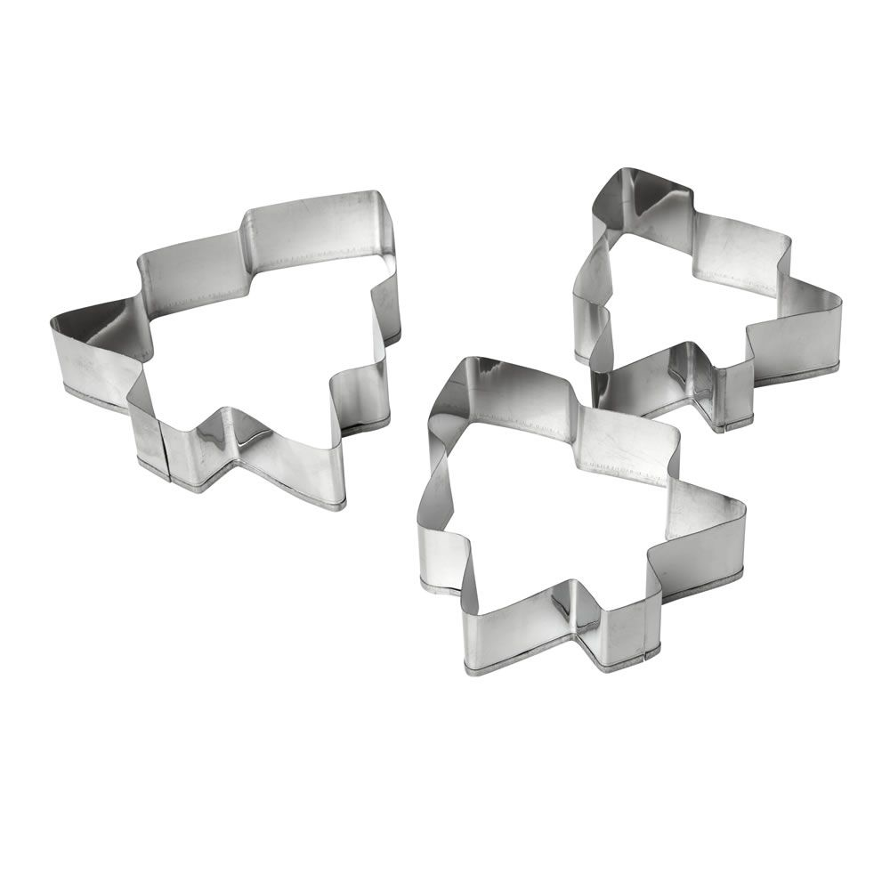 £1 Wilko Berry Cookie Cutters Christmas Tree Silver Effect at wilko.com