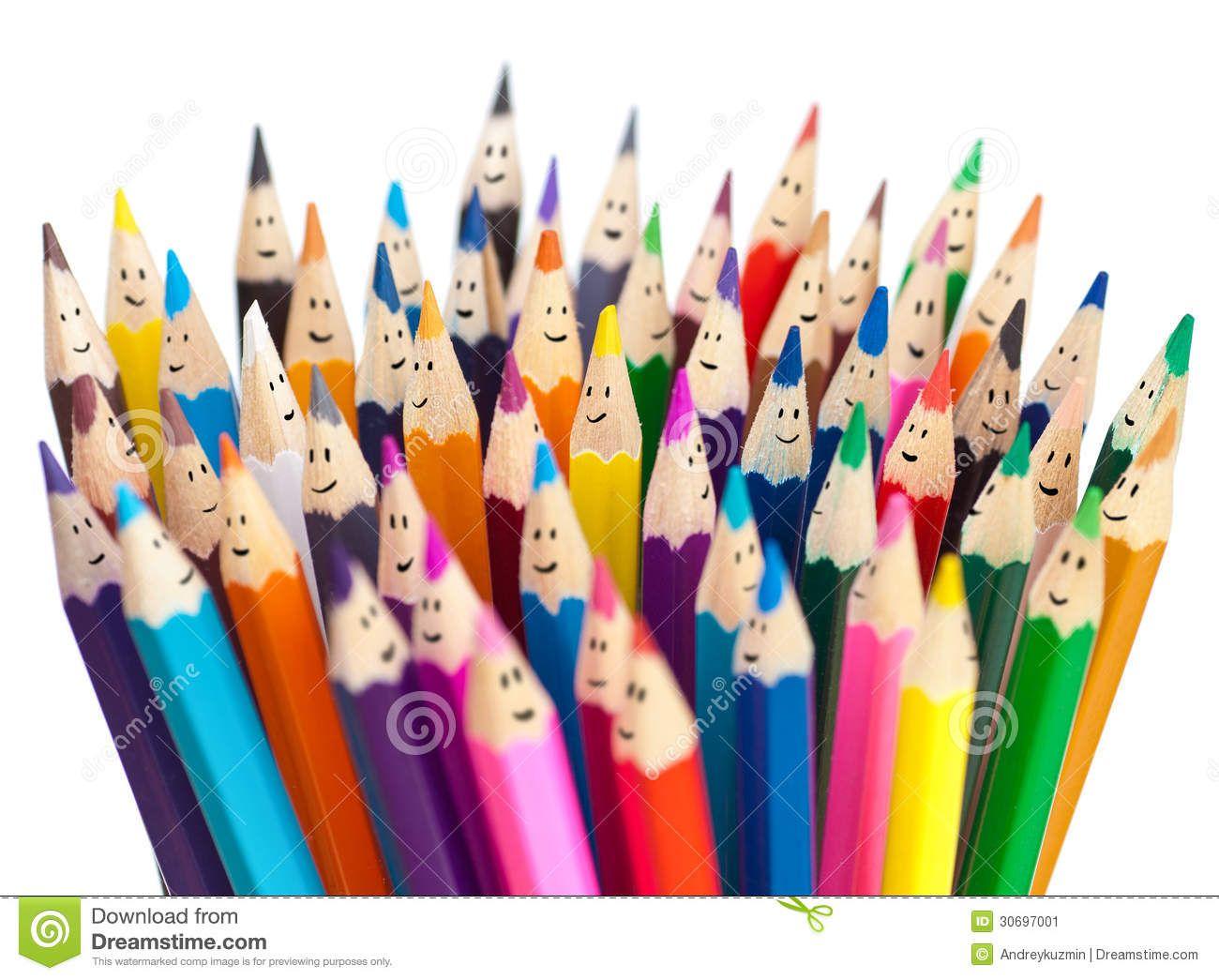 Concepto Social Sonriente Del Establecimiento De Una Red De Los Lápices Coloridos De Las Caras Imagen de archivo - Imagen: 30697001