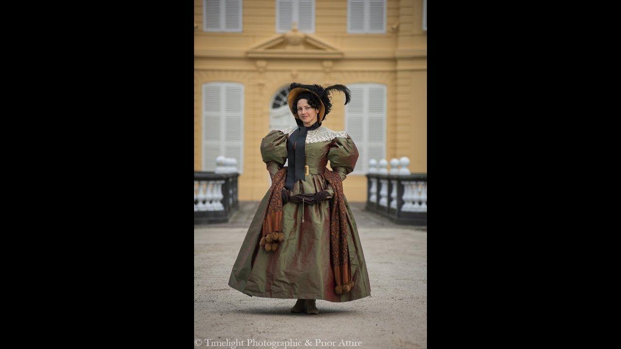 Dressing up a 1830 lady  5d6f399eb