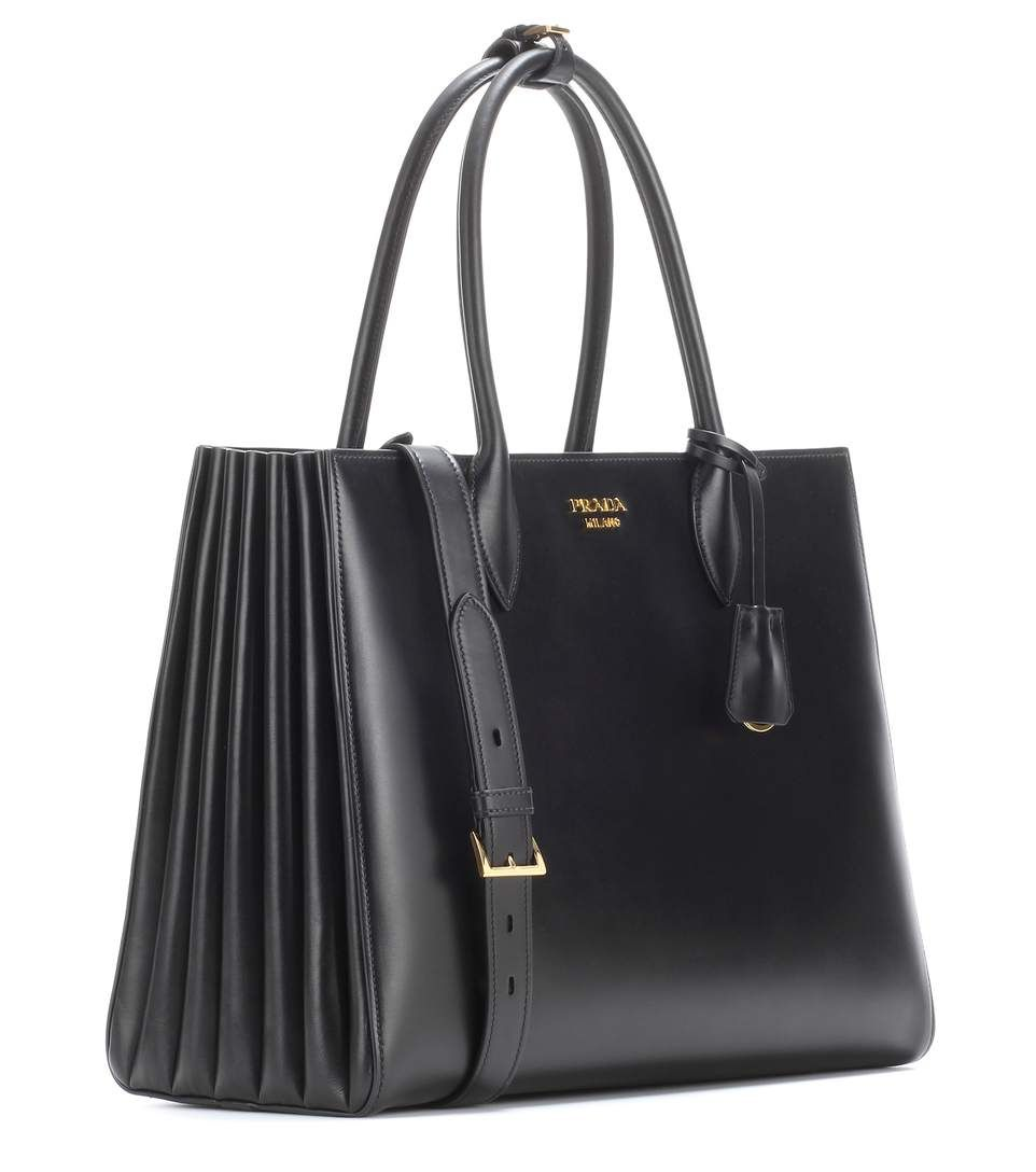 a290dd8822 Prada - Bibliothèque leather shopper