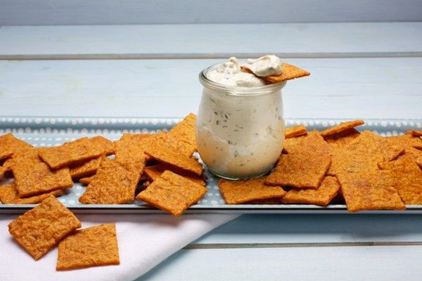 Kimcheez-its with blue cheese dip