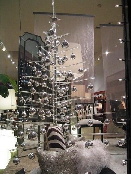 Exciting silver and white Christmas tree decorations Silver and - white christmas tree decorations