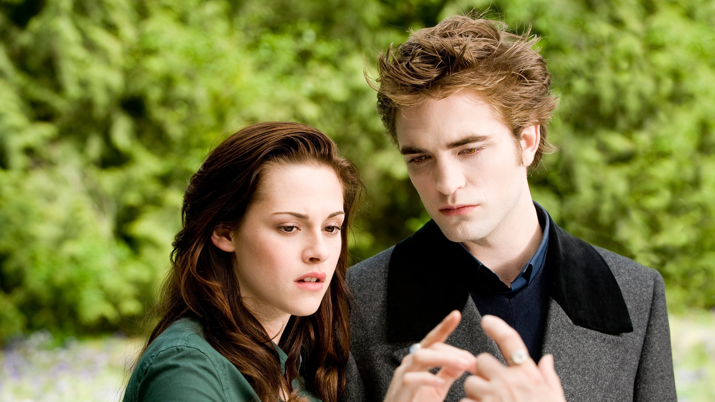 The Twilight Saga New Moon 2009 Fuld Film Online Streaming Dansk Movie123 I New Moon Er Kristen Twilight Film Movies Like Twilight Twilight Saga New Moon
