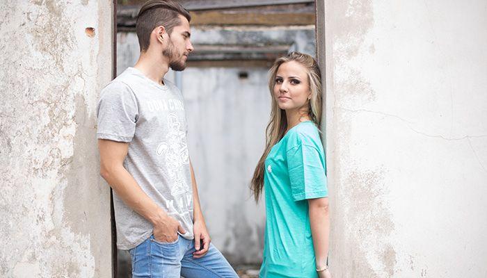 Como usar camiseta estampada masculina com estilo  Dicas simples e  essenciais 84731986f6f01