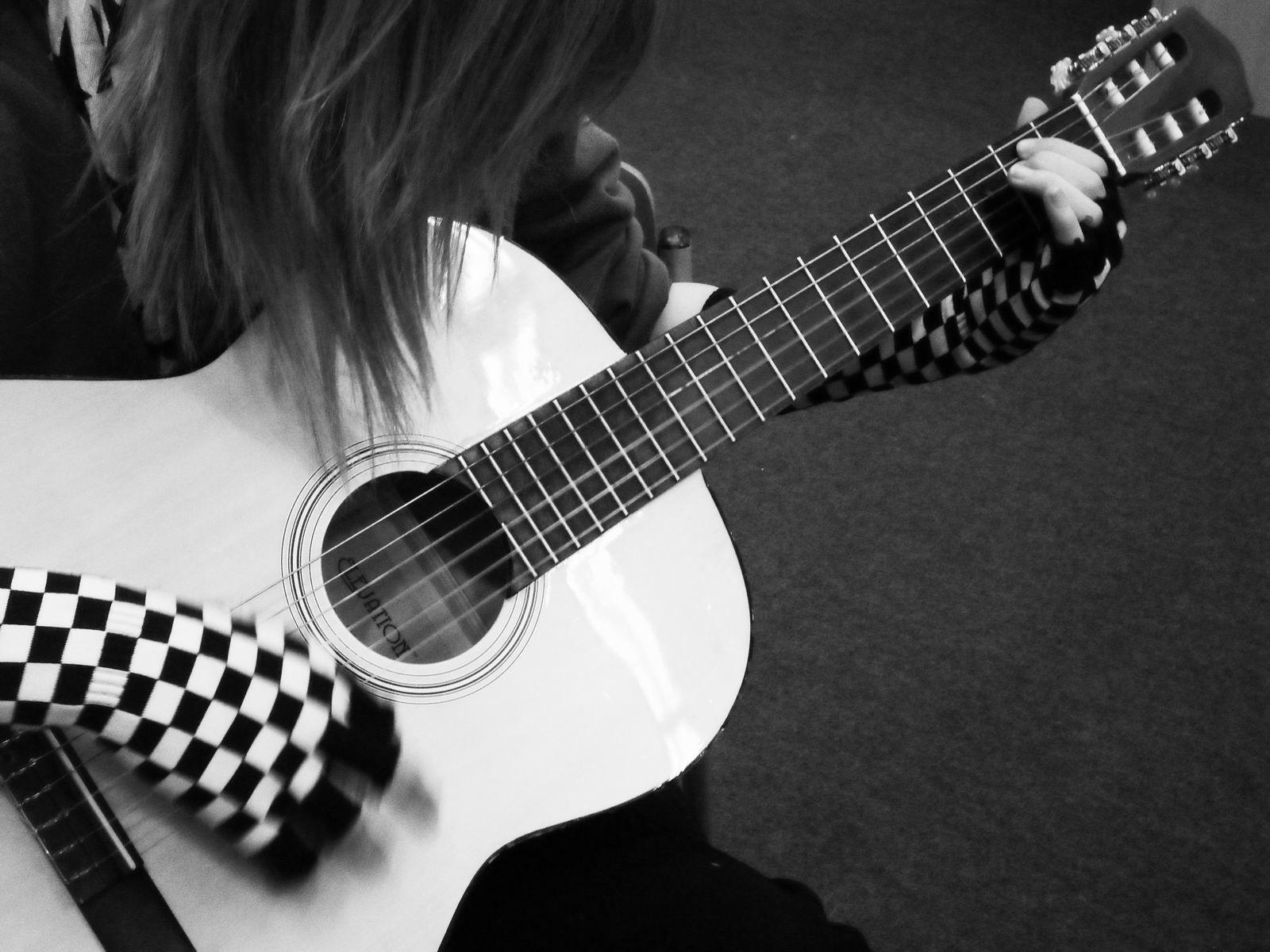 50 Cool Guitar Hd Wallpapers Guitar Girl Guitar Acoustic Guitar Accessories