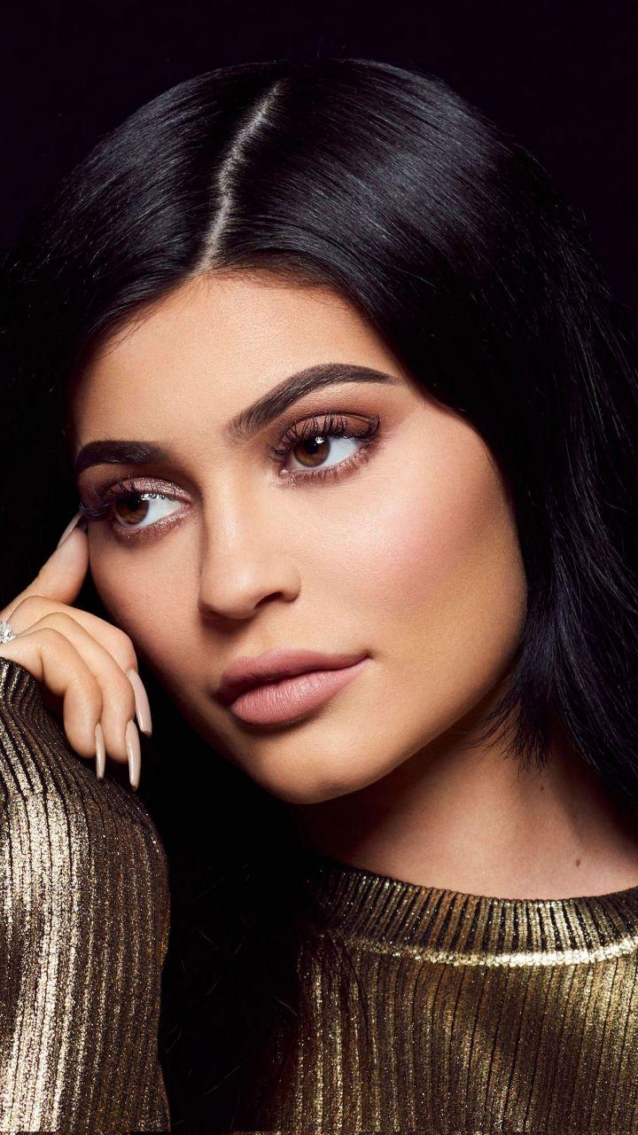 Kylie Jenner, dark hair, model, 2018, 720x1280 wallpaper