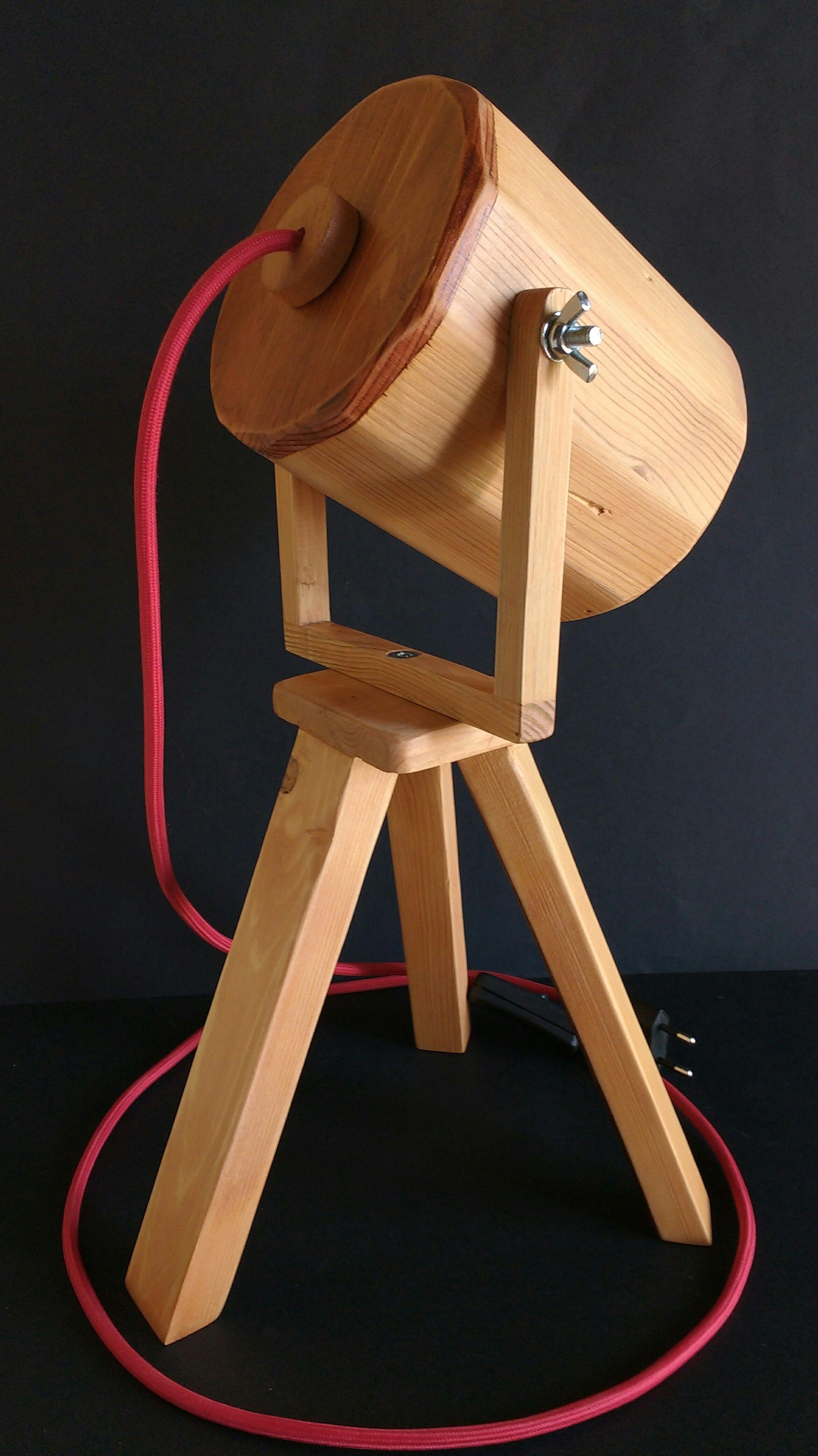 madera mano hecha trípode en de Lámpara reciclada palet a de qpGSUMVz