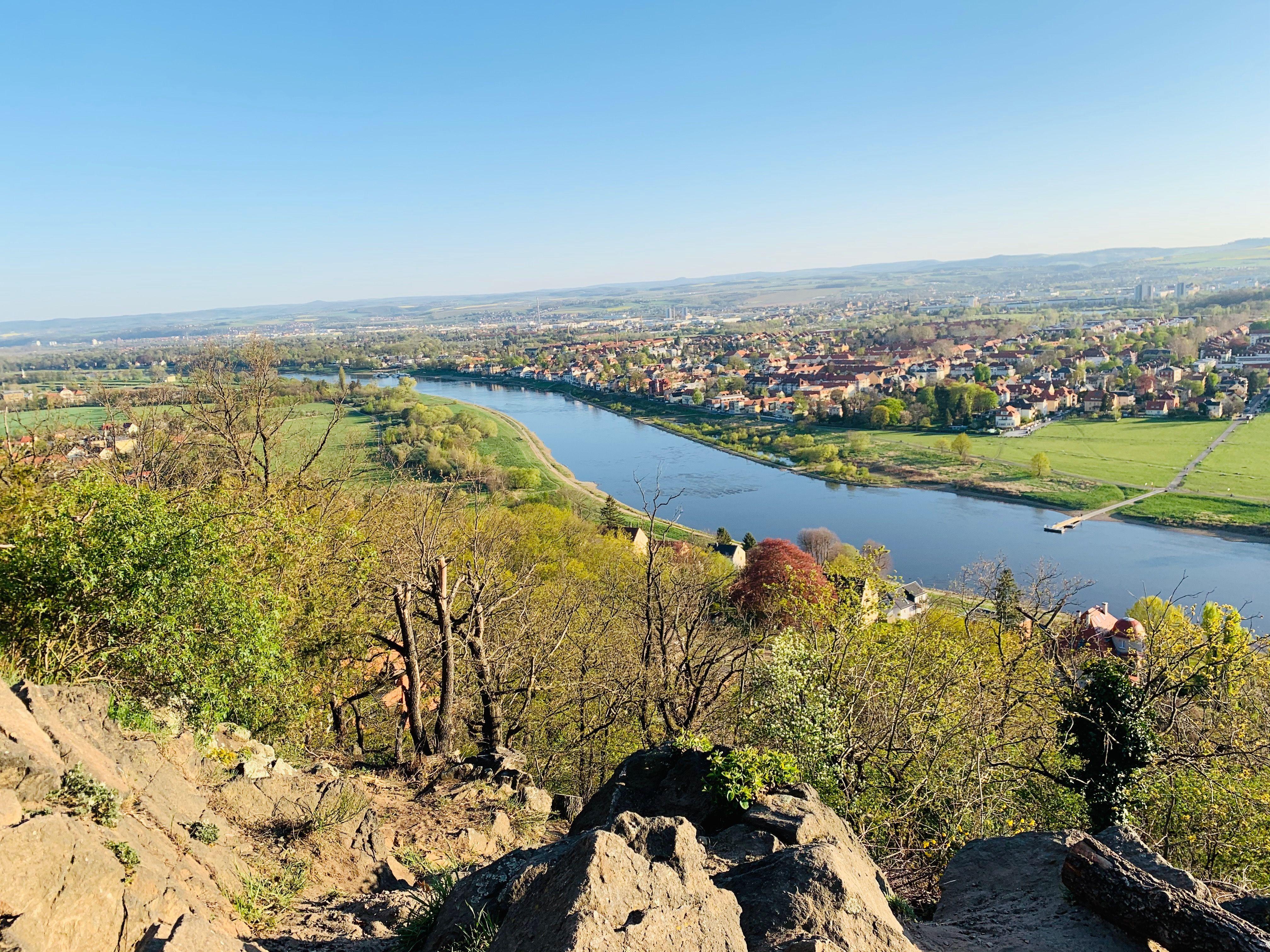 Agneshohe In Dresden Mit Aussicht Auf Laubegast Und Die Sachsische Schweiz In 2020 Reisen Dresden Aussicht
