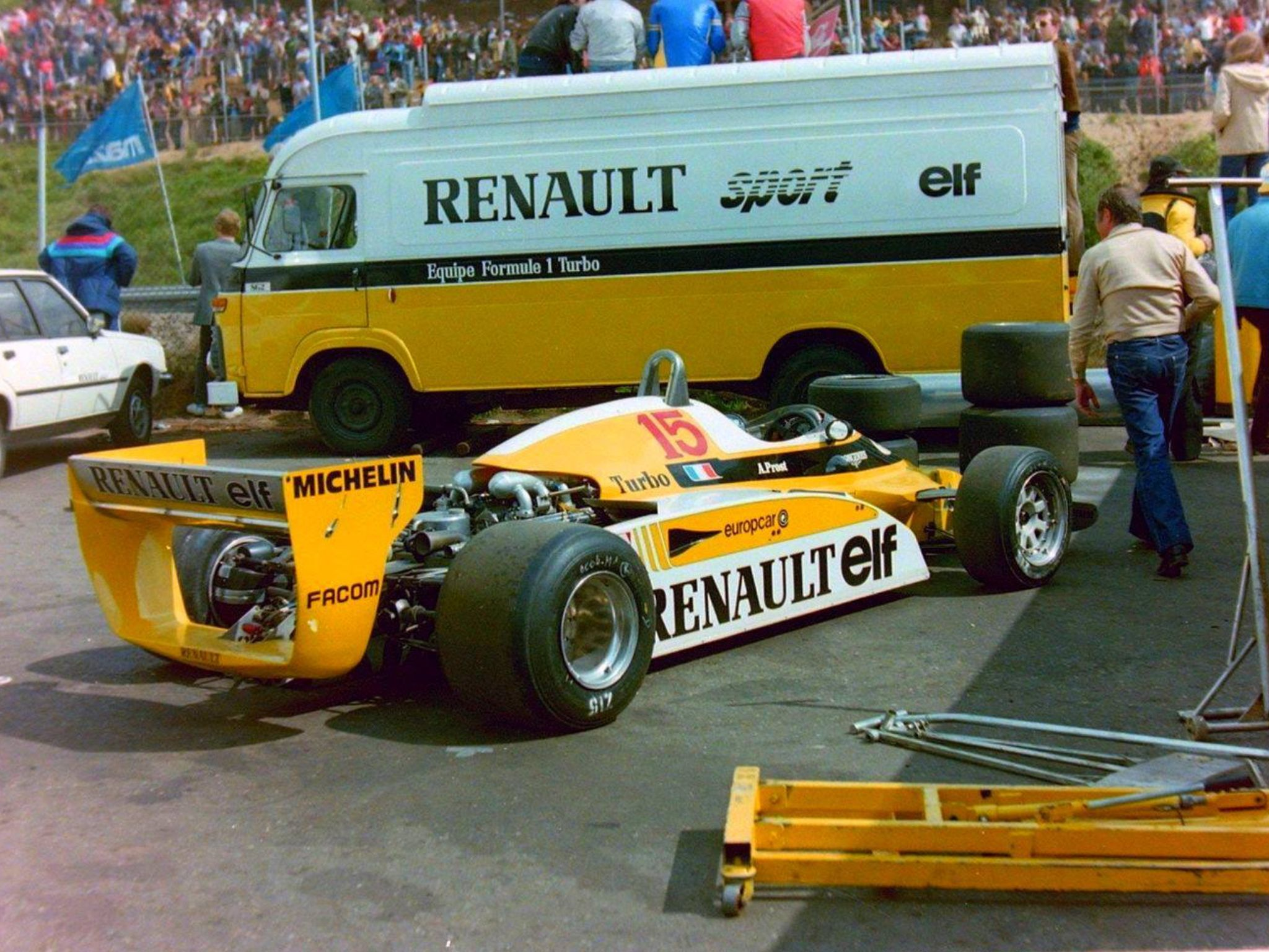 Team renault sg2 fourgon 80 39 s f1 and more pinterest for Garage renault poperinge belgique