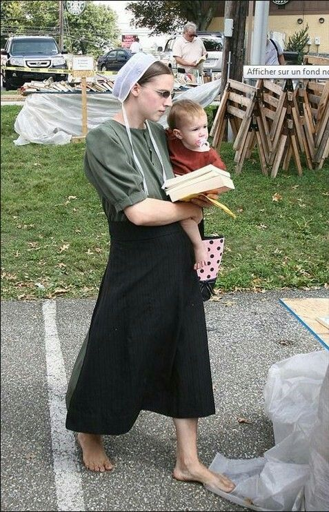 Amish Lady With Child Eerbare Kleding Eng Modest Clothing Fr