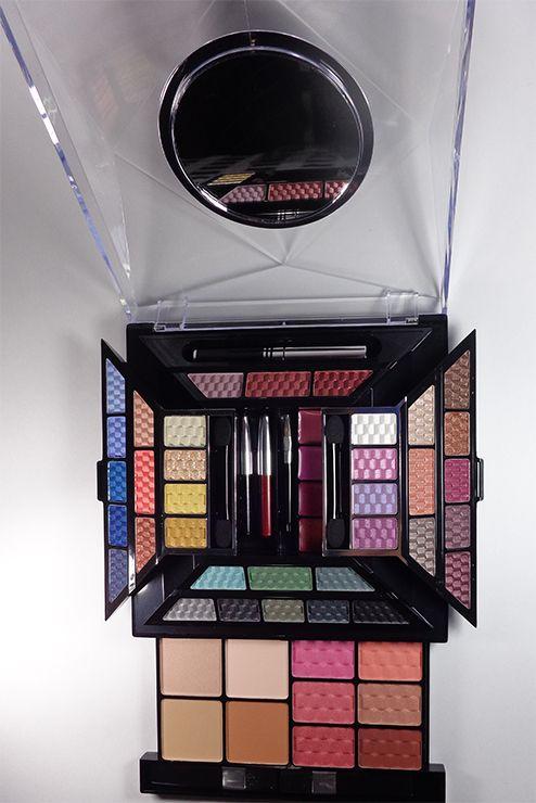 8a033fbe0 Kit de maquillaje profesional piramide: $499 Contiene 41 sombras, 4 rubor,  4 brillo labial, 2 rimel, 1 lapiz delineador, 2 brochas, 2 pinceles para  sombra y ...