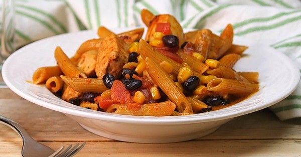 Southwest Chicken Alfredo Skillet Brings Together Tex-Mex Flavors with a Loved Italian Pasta Dish