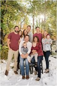 Image Result For Large Family Photo Ideas What To Wear