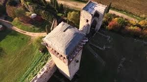 Risultati immagini per castello di montorio