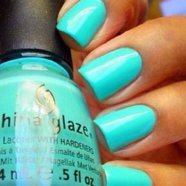 Aqua Nail Art: Aquamarine Nails :)