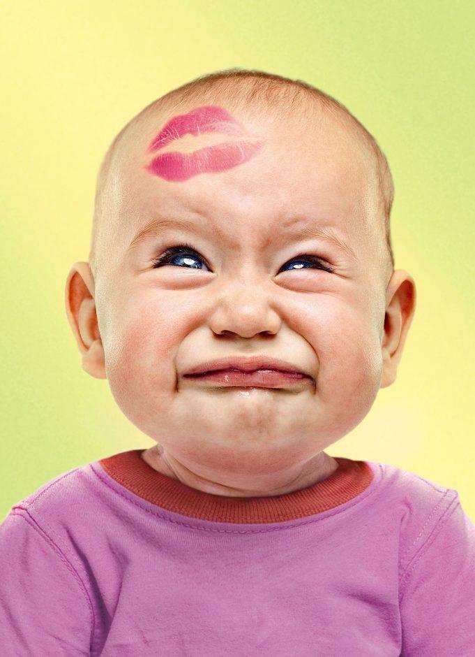 Прикольные картинки детских поцелуев