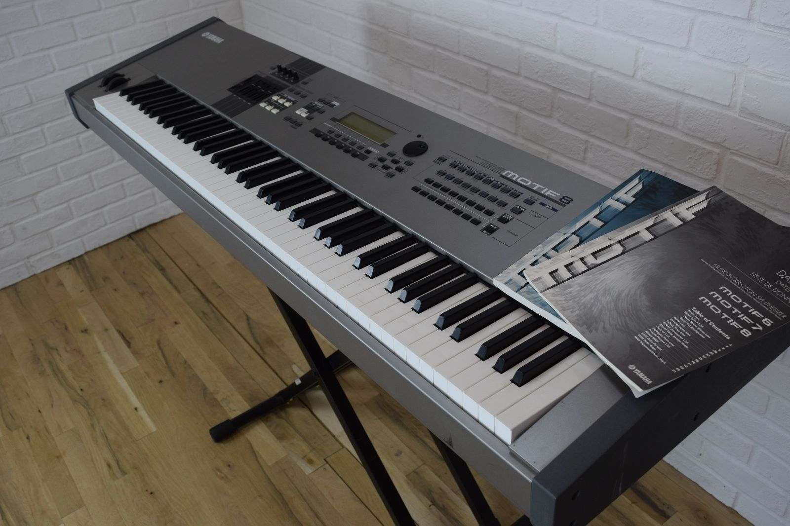 yamaha motif 8 keyboard synthesizer near mint used 88 key piano for sale common shopping in. Black Bedroom Furniture Sets. Home Design Ideas