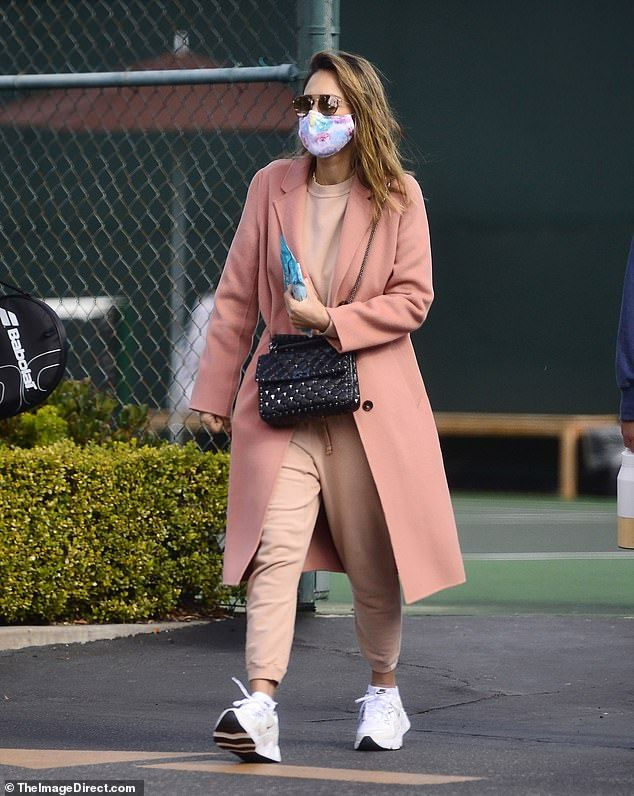 Jessica Alba works out pent-up election stress on