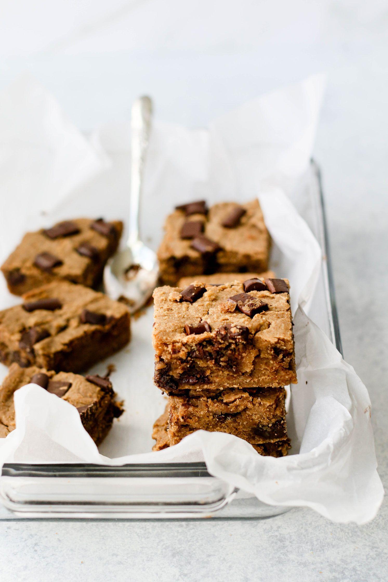 White Bean Blondies Flora Vino Recipe In 2020 Vegan Baking Recipes Vegan Dessert Recipes Clean Dessert